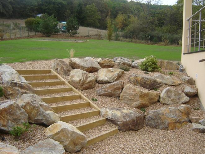 Un escalier dans le jardin.... - Page 3 Real7